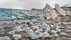 EISWÜRFELEI am 14. Juli-Gletscher