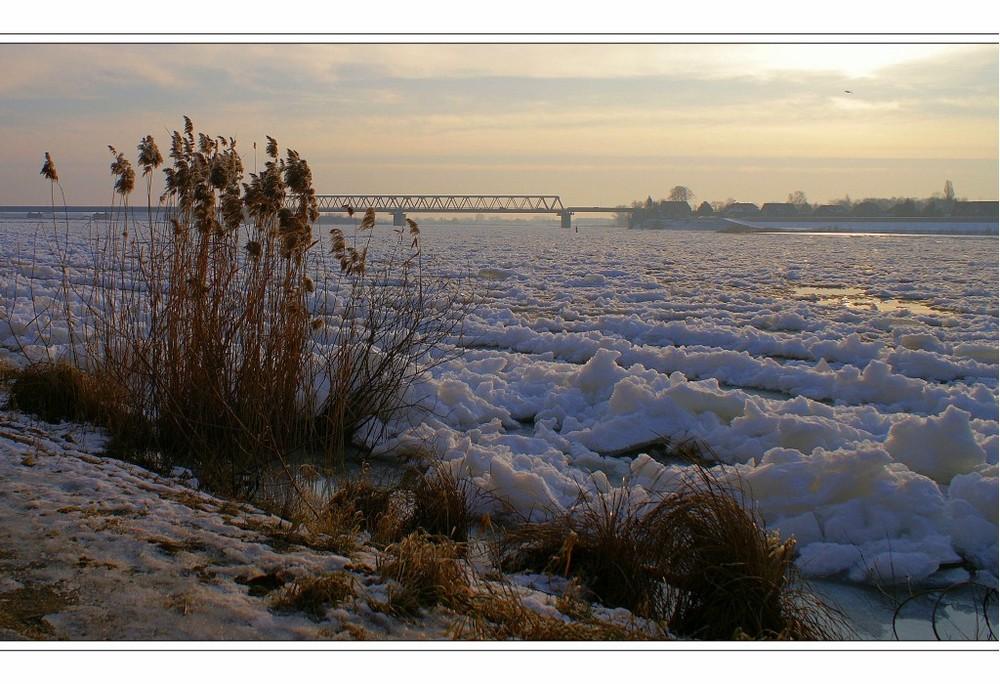Eiswüste Elbe
