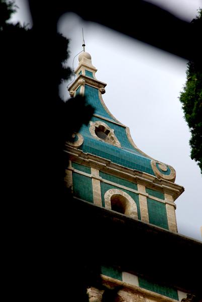 El azul esmeralda de La Cartuja entre rejas 2