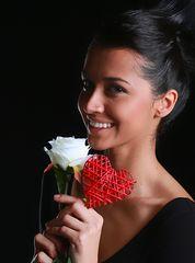 El corazon y la rosa blanca