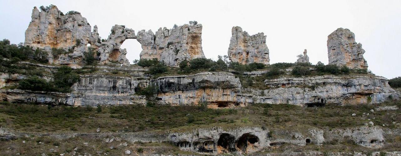 Mapa Orbaneja Del Castillo Burgos.El Mapa De Africa Y Los Dos Camellos Que Se Dan Un Beso En