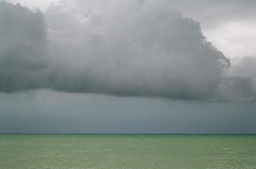 El mar antes de la tormenta
