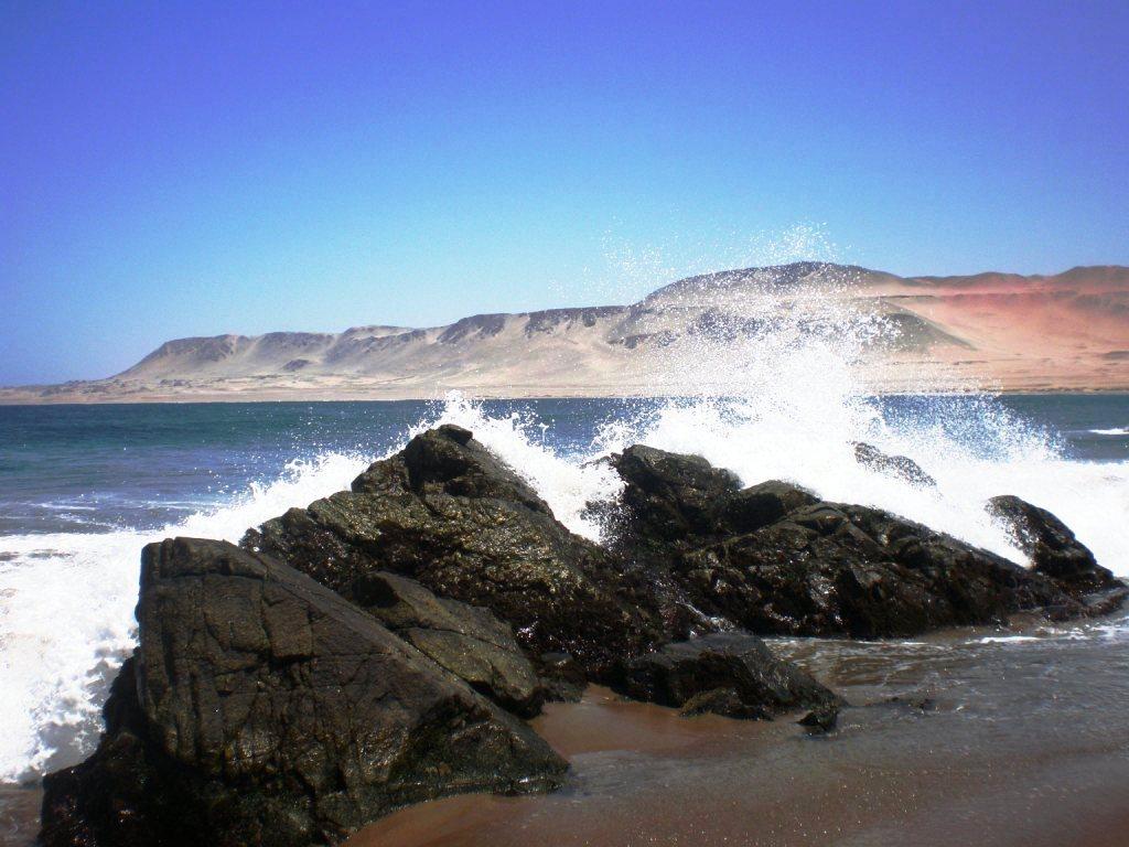 El Mar y la roca