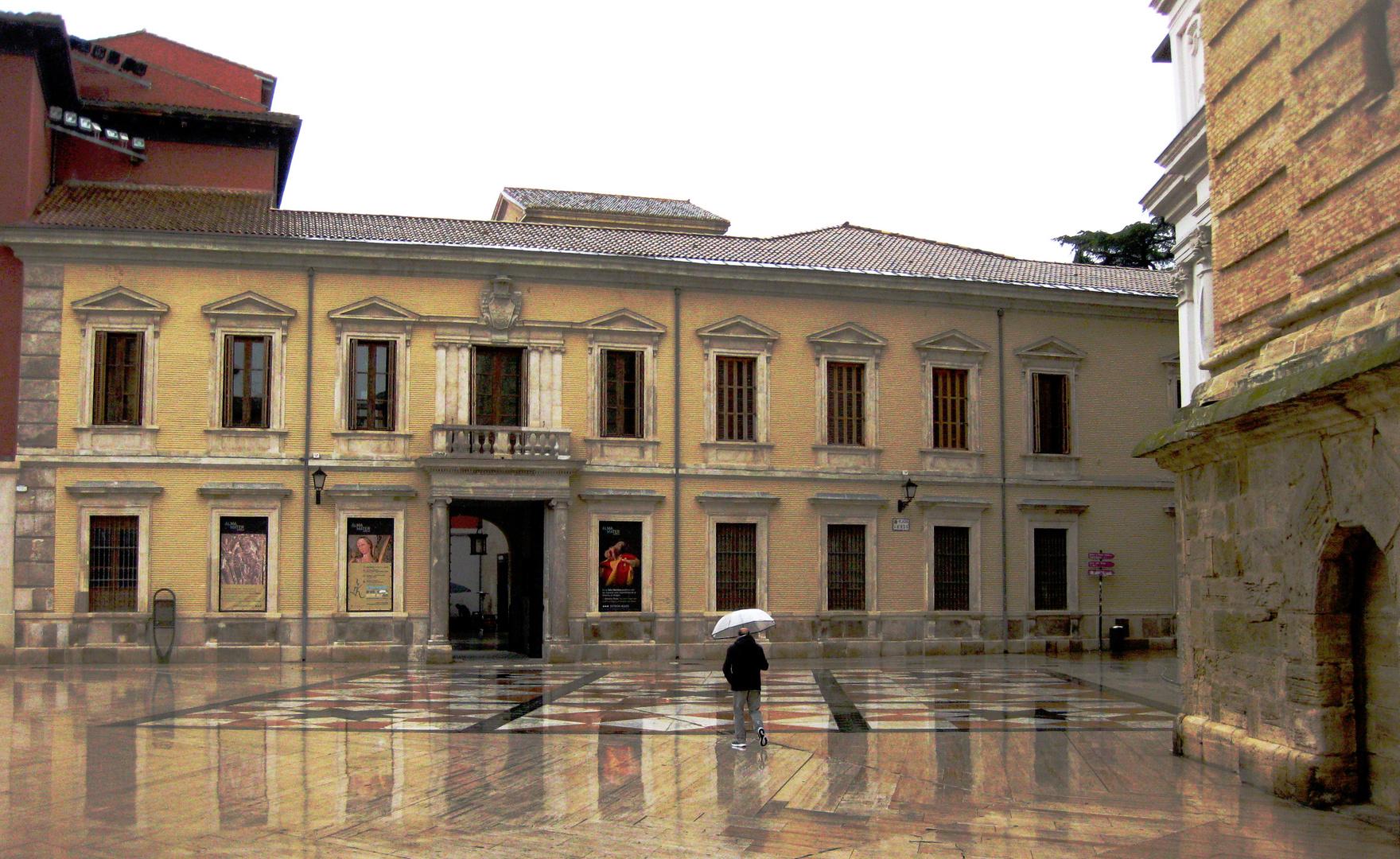 ...el palacio arzobispal......