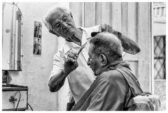 El peluquero: Der Meister der flotten Schere...