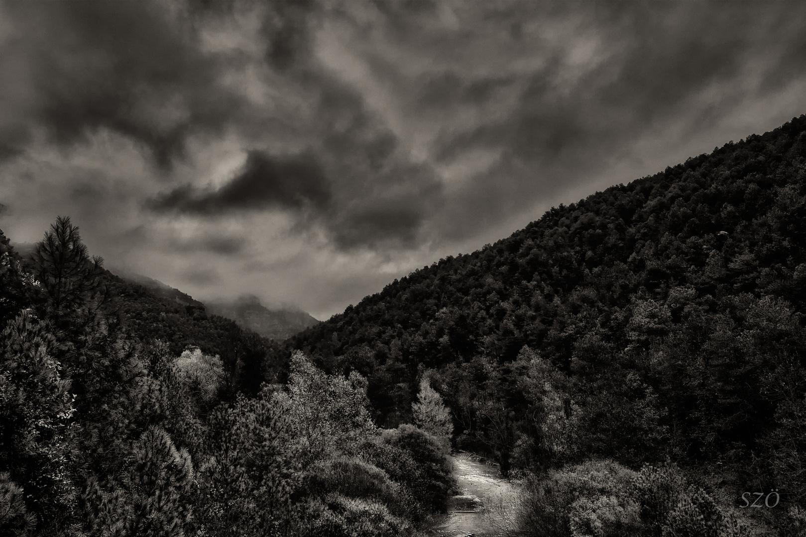 El Río Oculto-B&W