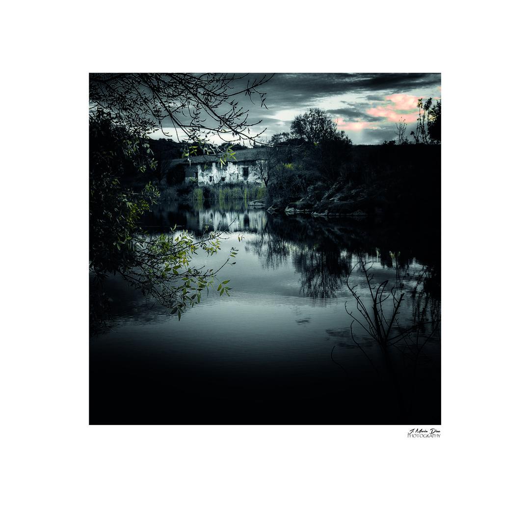El río oscuro