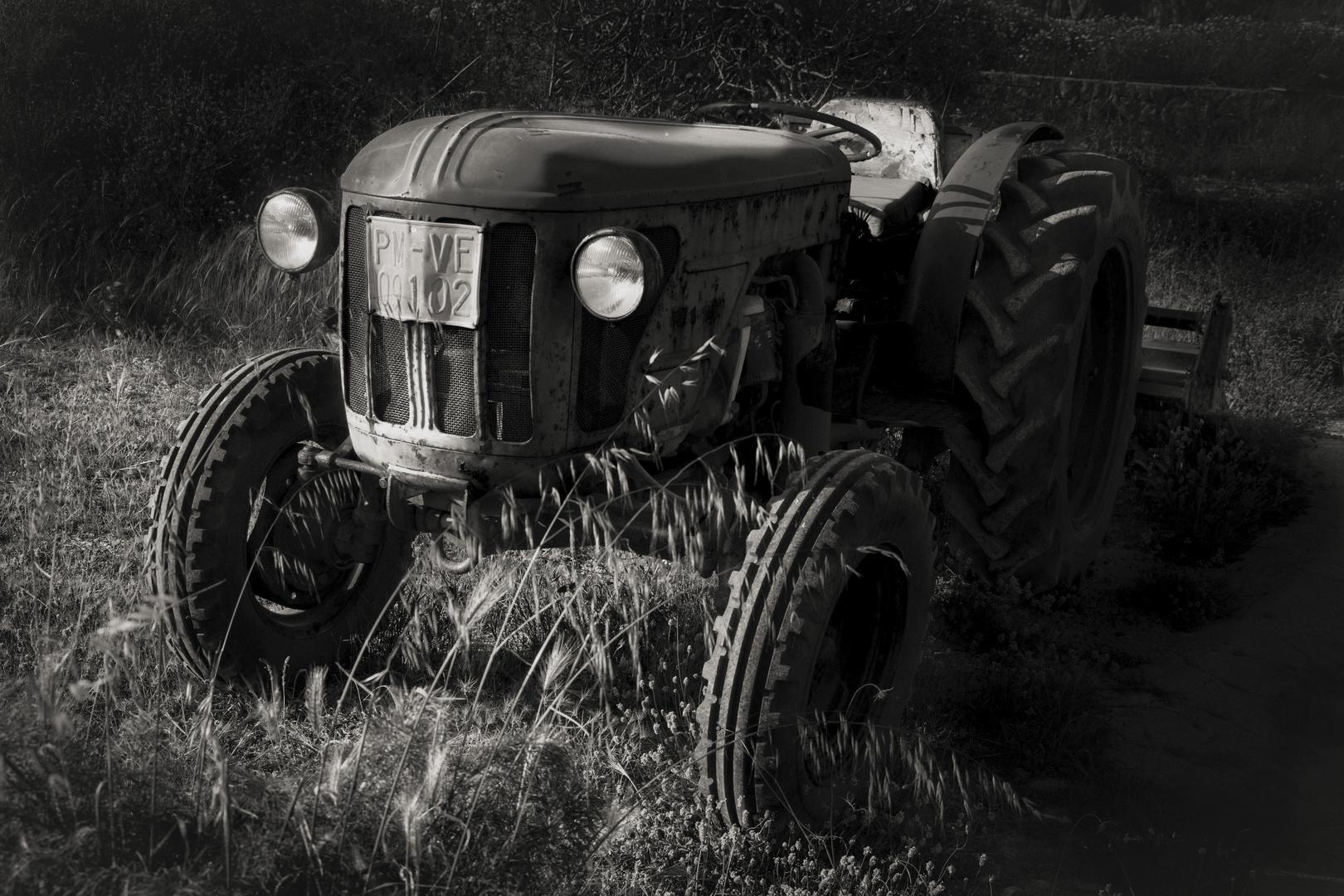 El viejo tractor