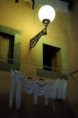 Elba romantisch beleuchtete Reizwäsche