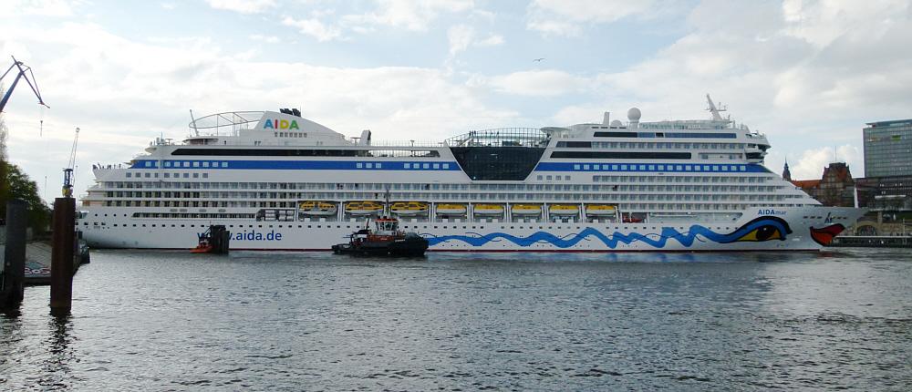 Elbsperrung mittels Kreuzfahrtschiff
