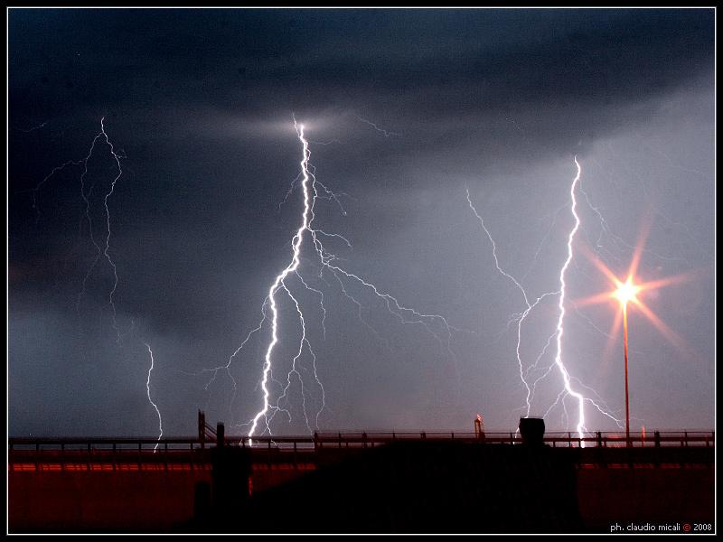 Electric Night ...