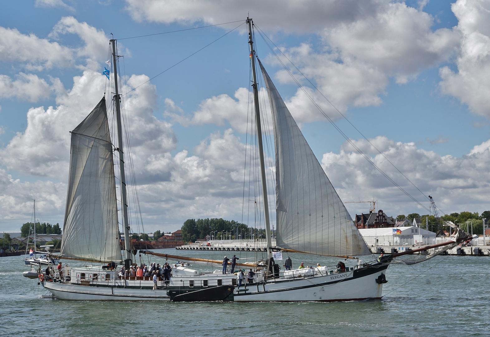 Elegant bei der Hanse Sail