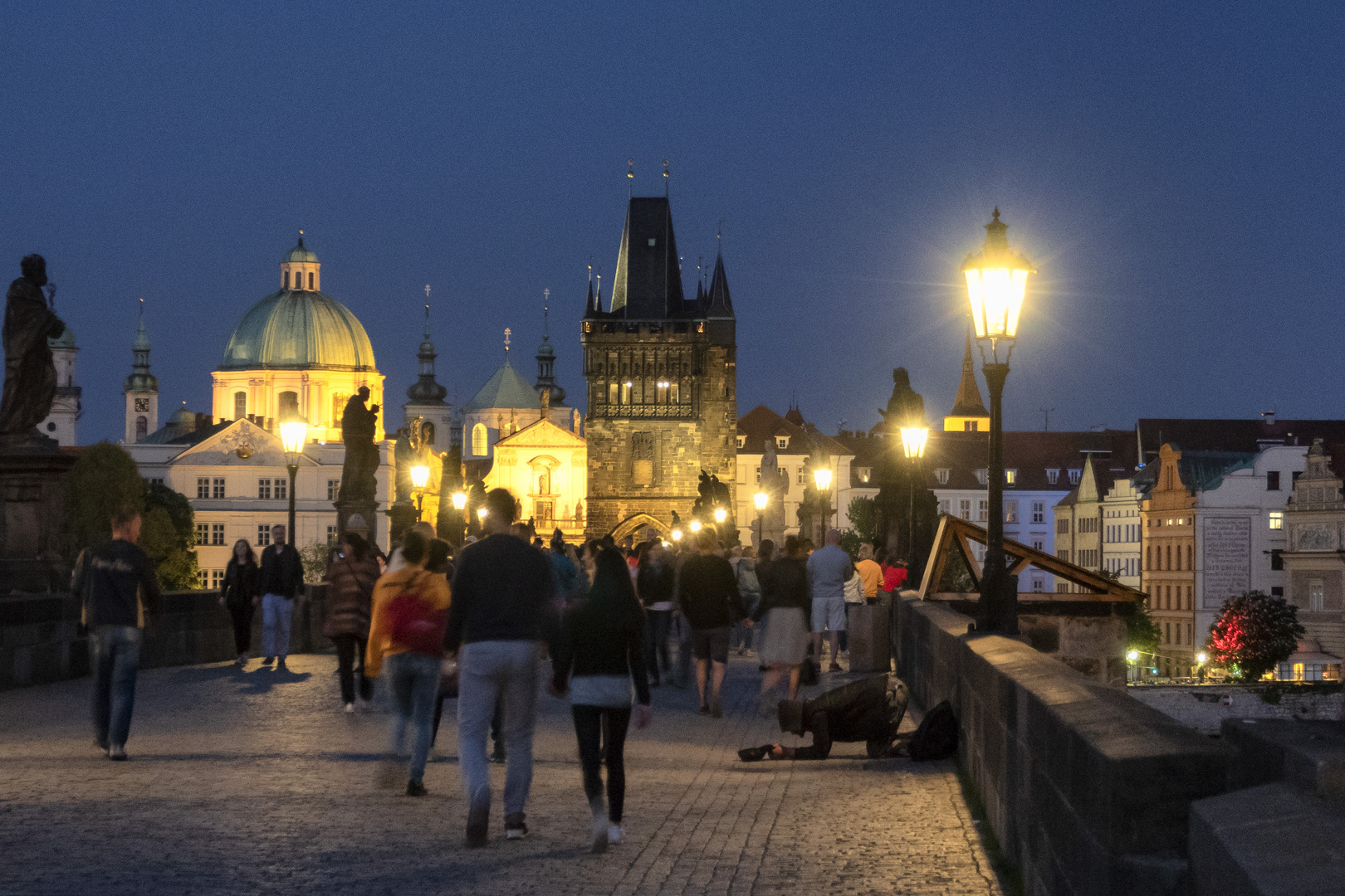 Elemosina sul Ponte Carlo, Praga