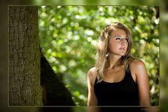 Elena im Wald