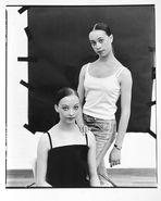Elizabeth und Anna, Tänzerinnen