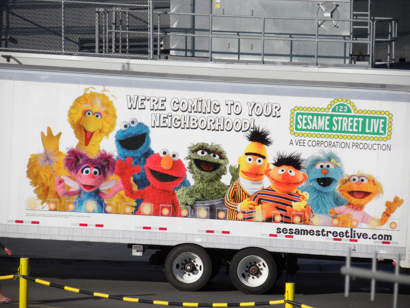 ELMO AND FRIENDS LEAVING TOWN.......