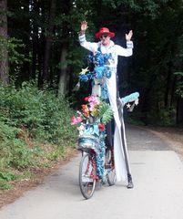 Elvis lebt und fährt Hochrad