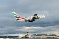 Emirates Airlines Airbus A380 A6-EOA