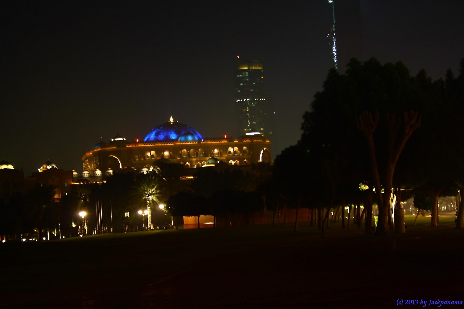 Emirates Palace Hotel, Abu Dhabi bei Nacht