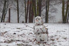 Emmas erster Schneemann ...