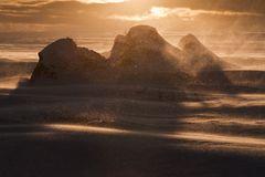 Emotion Island (Schneesturm bei Sonnenuntergang)