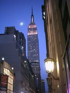 Empire State Building in Lighting in Pink