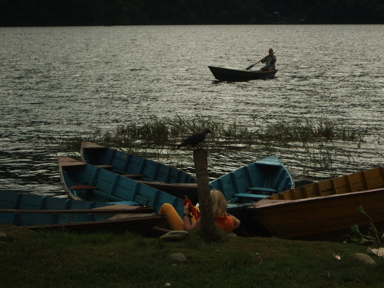 En cualquier lugar (Lago Phewa-Pokara)