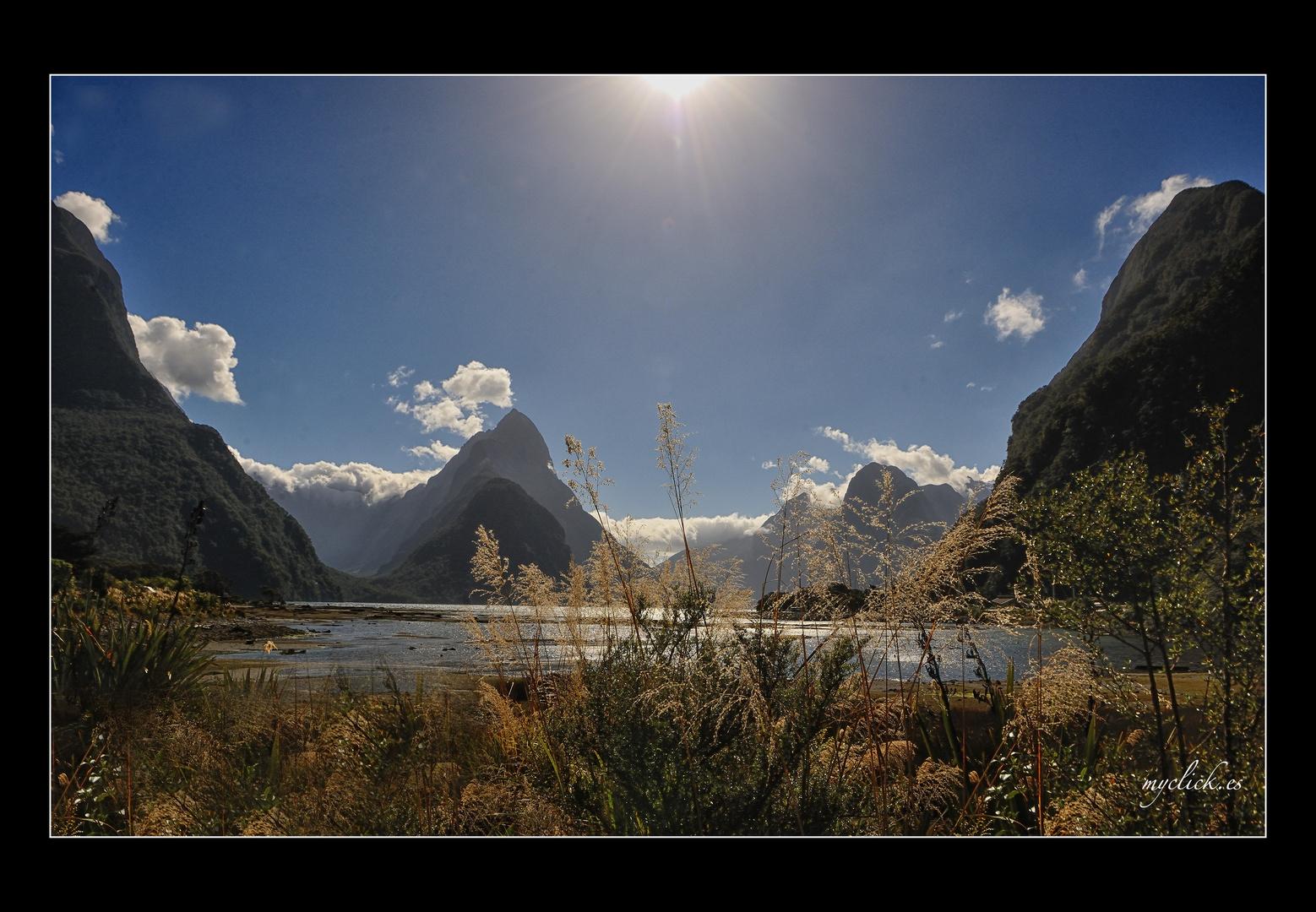 EN LA GRAN NUBE BLANCA -RECUERDOS DE MILFORD PN FIORLAND NEW ZELAND