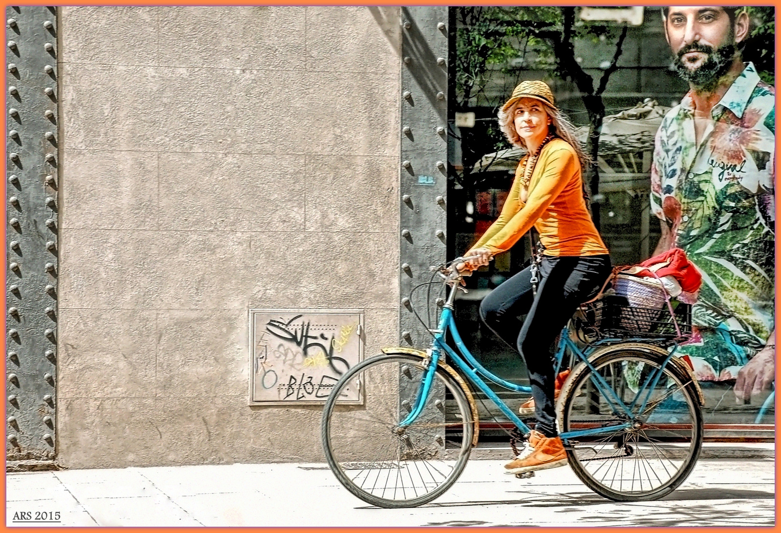 En paralelo (Paseando en bici por Barcelona)
