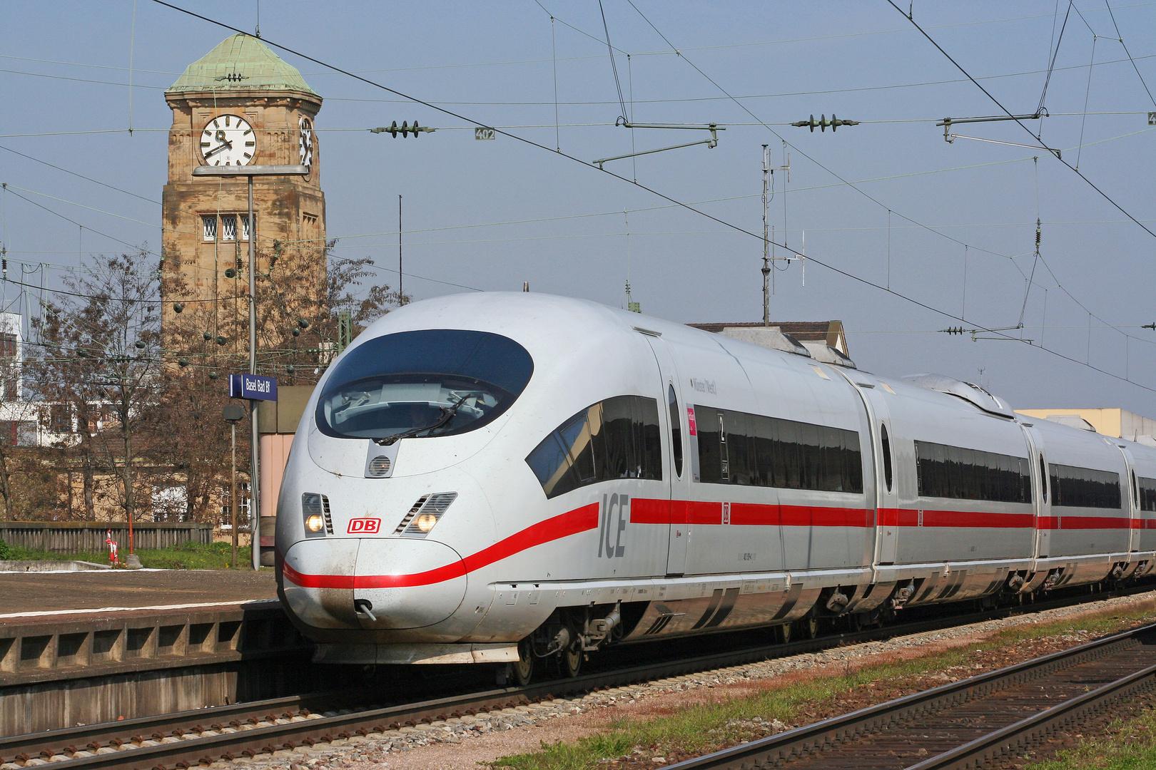 Endspurt für ICE 501  (403 518) in Basel Bad Bf