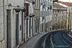 Enge Gassen in Lisboa für die Strassenbahn