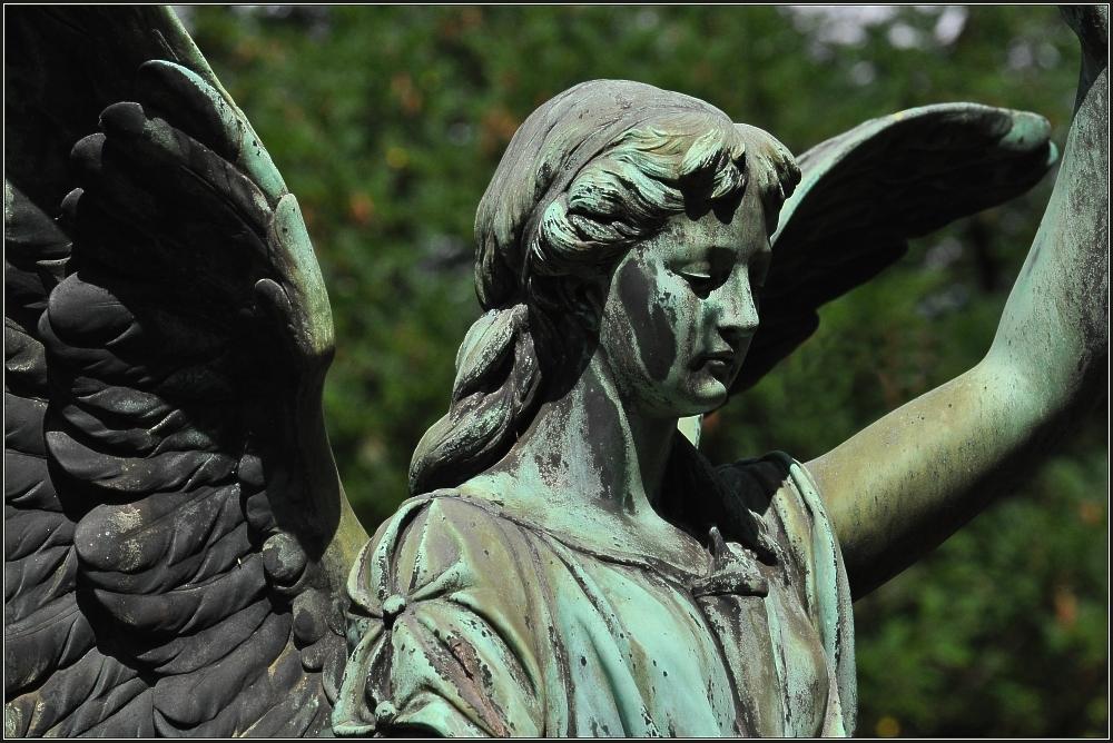 Engel auf Melatenfriedhof 4