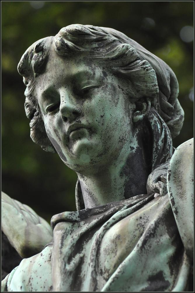 Engel auf Melatenfriedhof 5