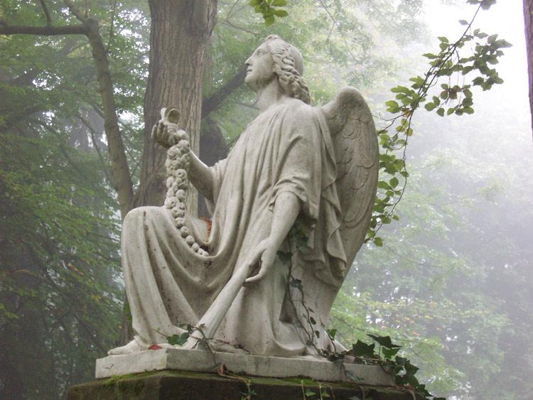 Engel im Nebel