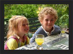 Enkelkinder Mira und Misha