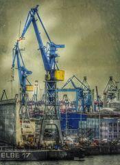 Enorm viel Technik...im Foto und Hafen