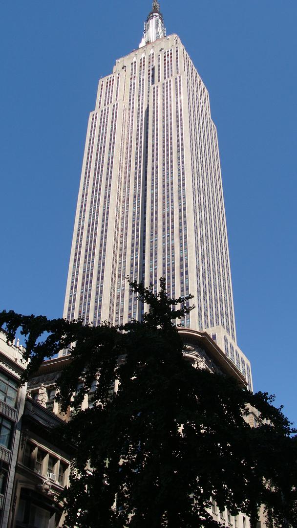 enpire state building new york