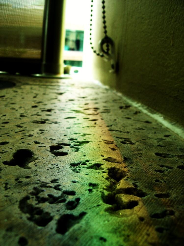 Entonces mi vida fue minada por recuerdos de guerra pero nuevos colores comienzan a brillar en ella.