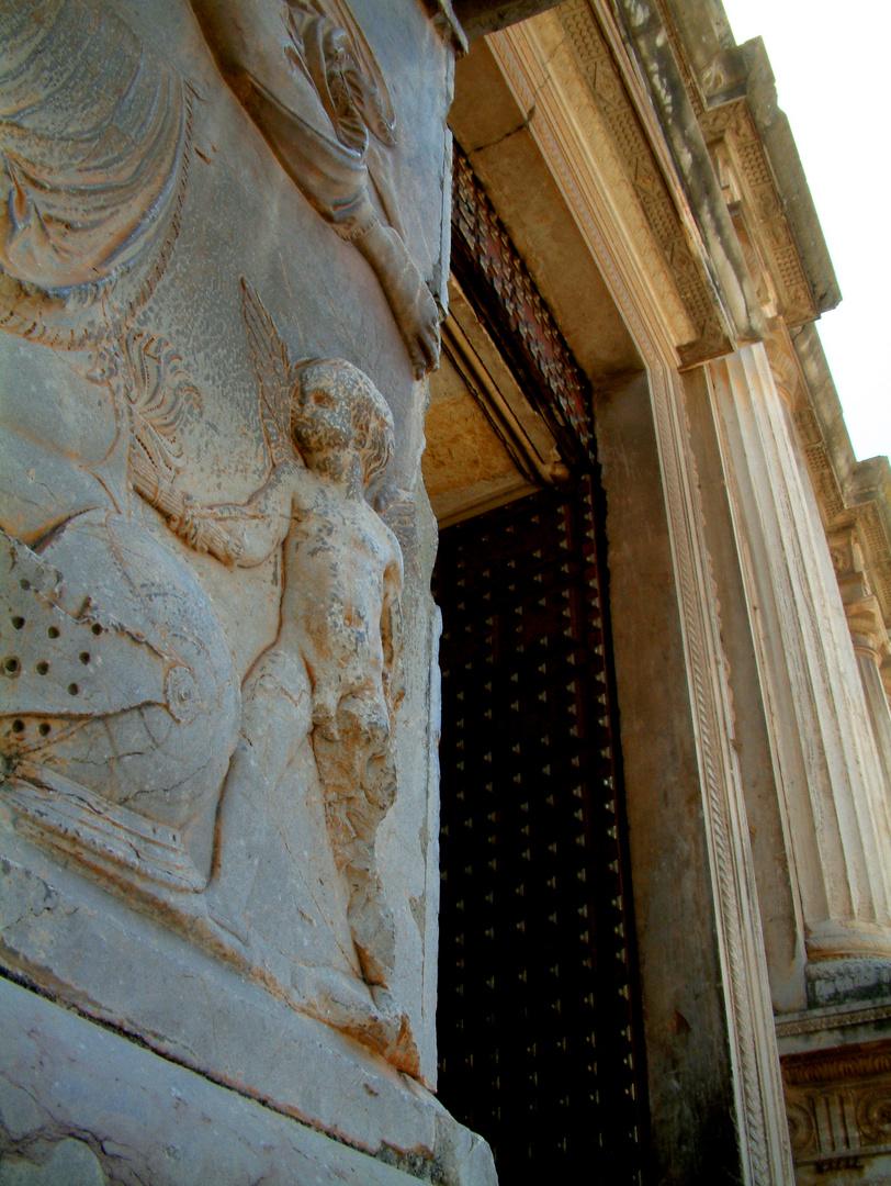 Entrada (Palacio Carlos V -Granada-)