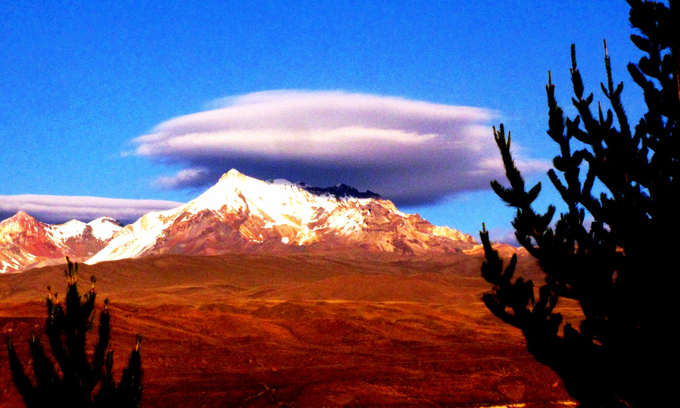 Entre el volcán y el cielo