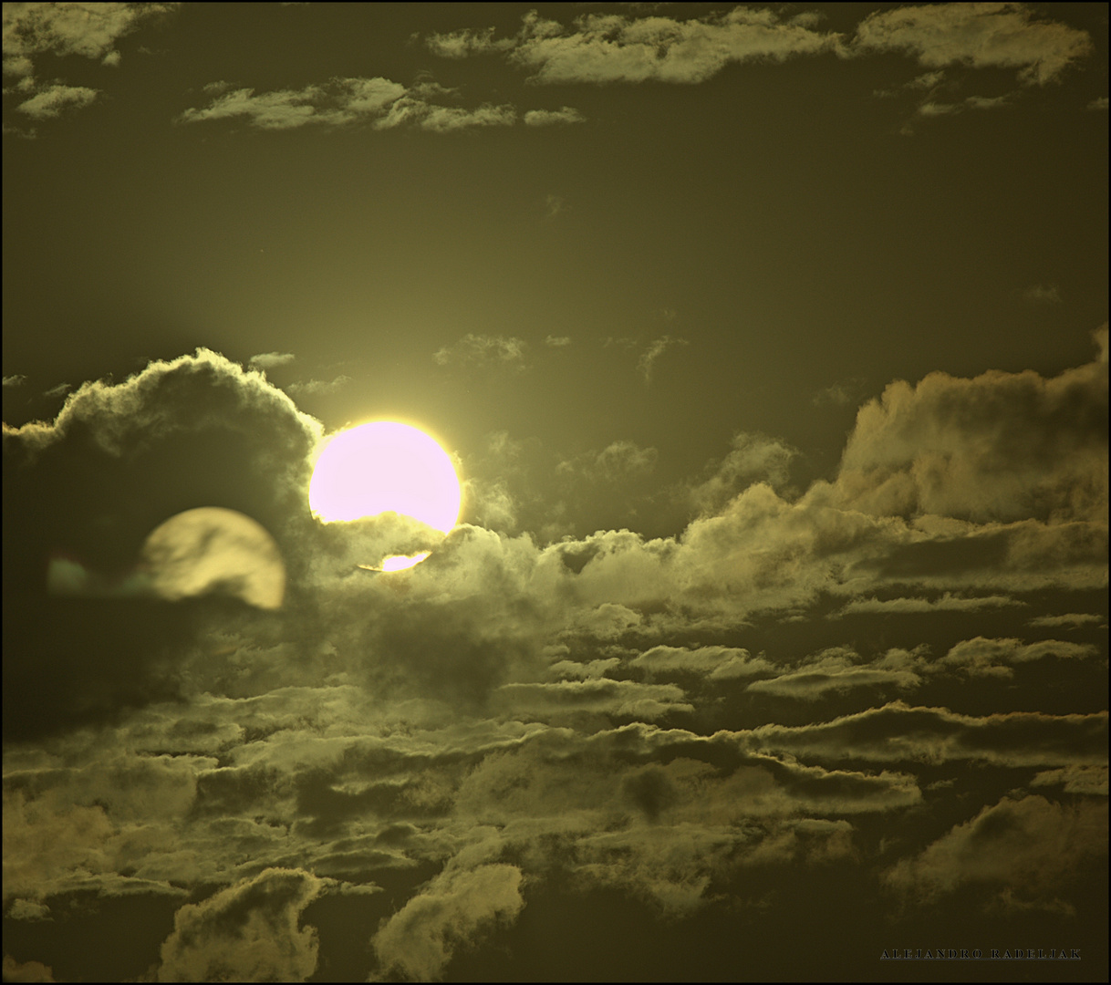 Entre tu Sol y mi sol