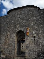 Entrée du Château d'Harcourt (XIIIème)  --  Chauvigny