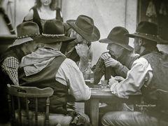 Eravamo quattro amici al bar.... anzi no, al saloon !!!