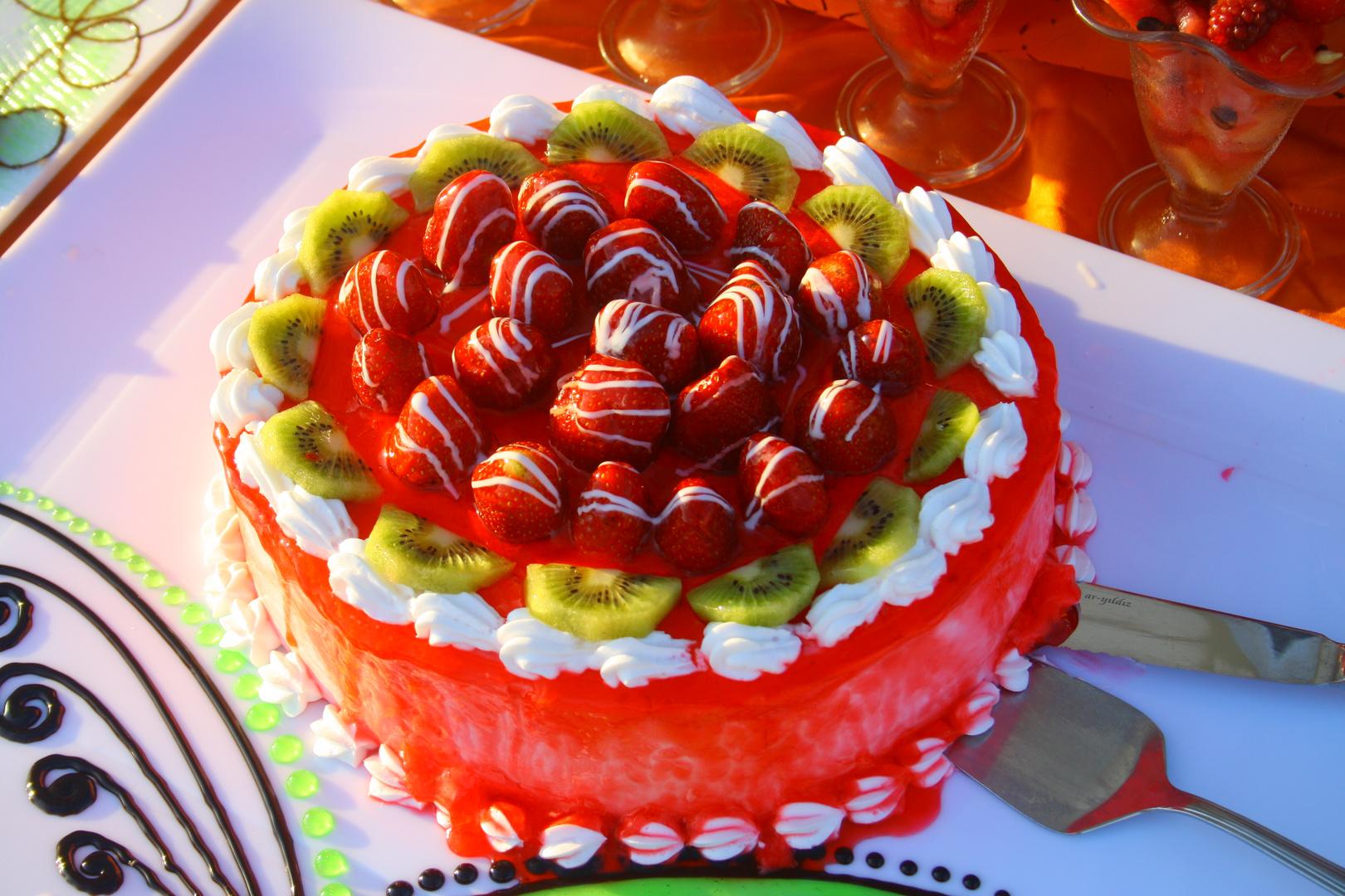 Erdbeer-Kiwi-Torte