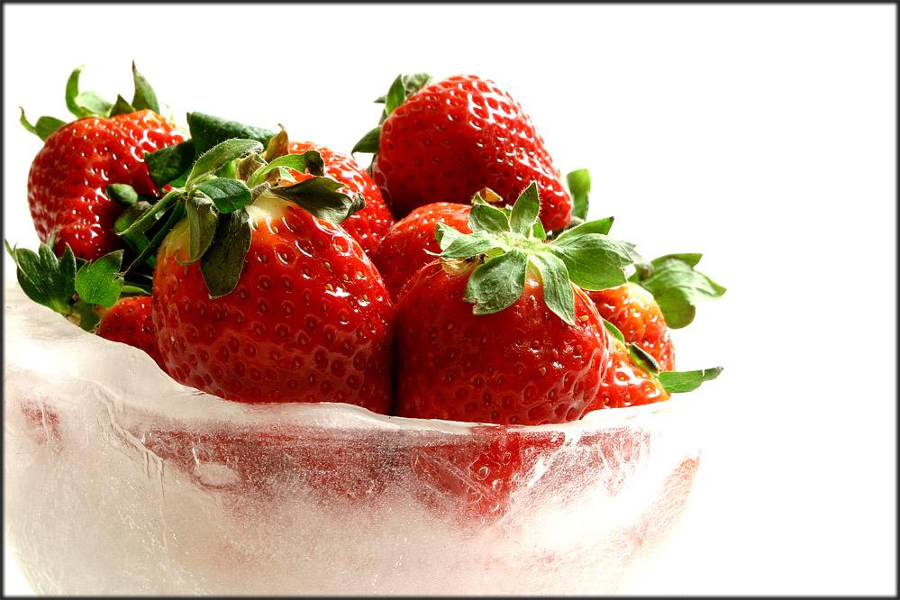 Erdbeeren auf Eis