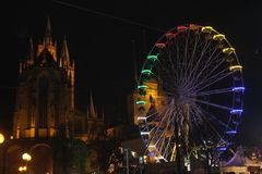 Erfurter Weihnachtsmarkt mit Blick zum Dom