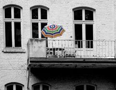 Erinnerungen an die schöne Sommerzeit oder Tristesse und der Farbtupfer