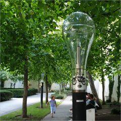 Erklärung gesucht!! Fahrradlampe? Licht nur für Radler?