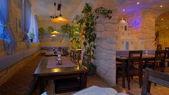 Erlangen, im Restaurant zum Abendessen (Erlangen, en el restaurante para cenar)