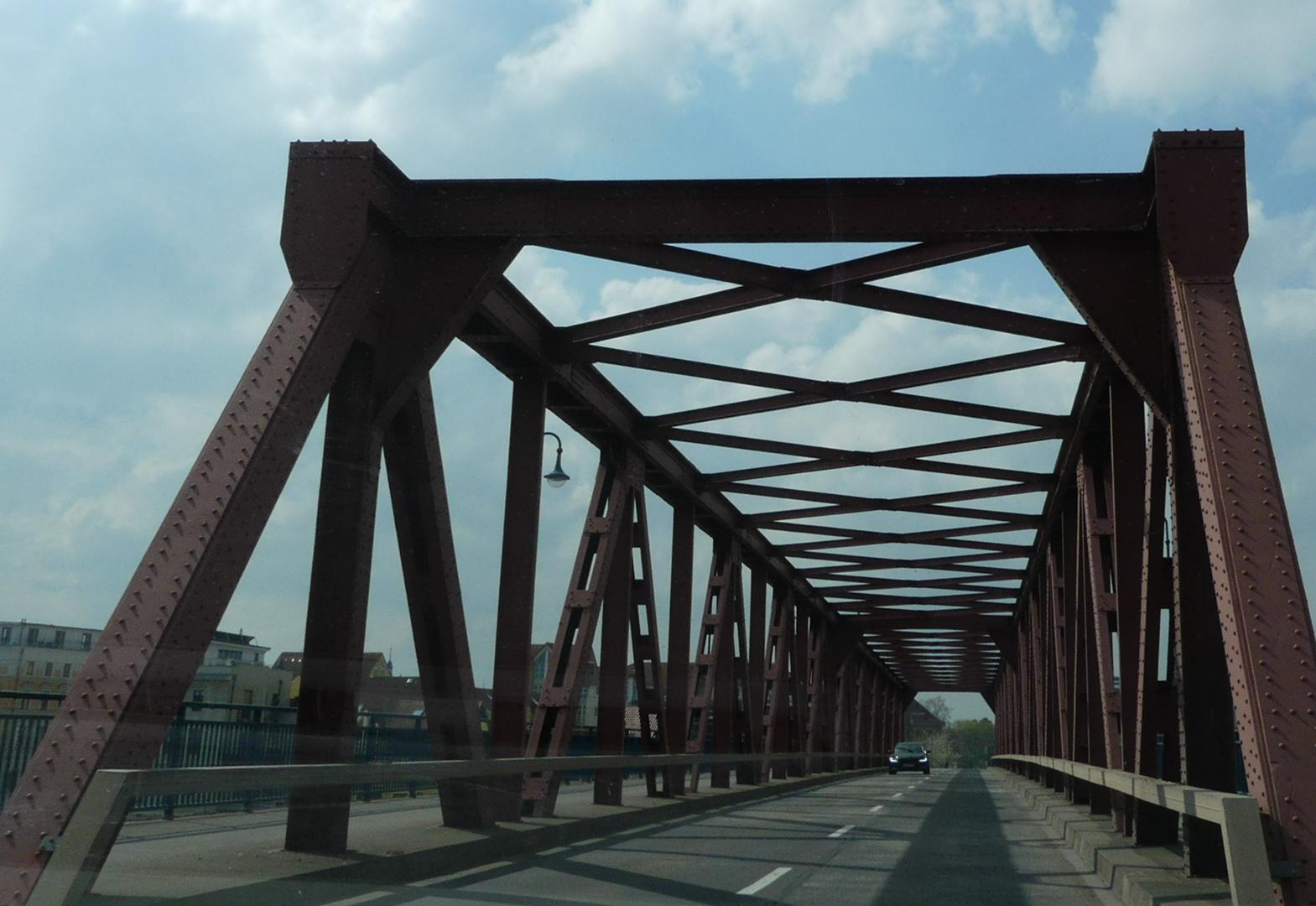 Ernst-Thälmann-Brücke